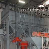 Raw material hopper